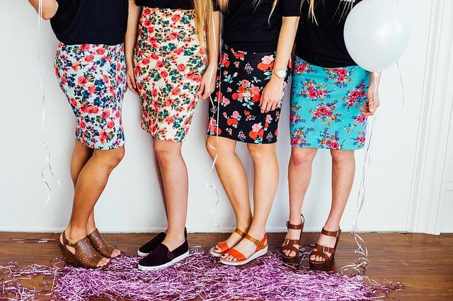 cara memakai rok lilit