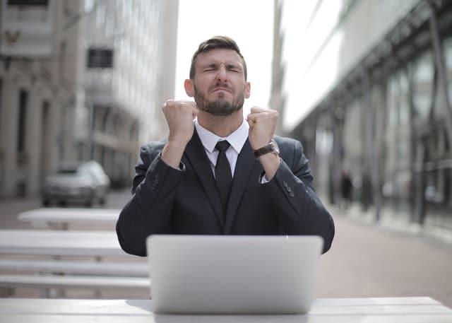 Perbedaan Pegawai Kontrak dengan Pegawai Outsourcing