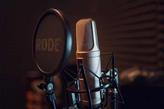 aplikasi android pengubah suara