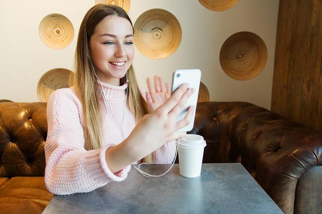 aplikasi mempercantik video call whatsapp